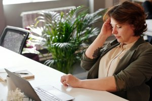 how distractions affect productivity at work
