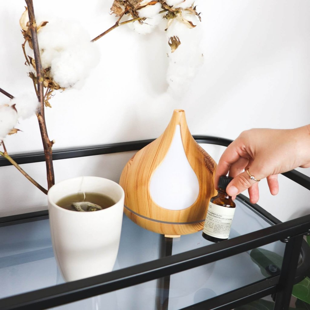 using aromatherapy diffuser at home instead of scented candles